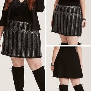 🎉HP🎉Beautiful Torrid beaded & sequin skirt